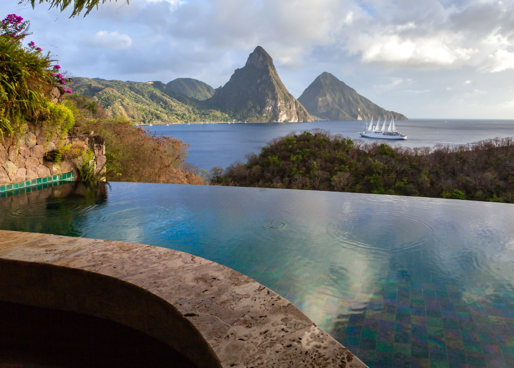 Rooms: St. Lucia's Anse Chastanet & Jade Mountain Resorts