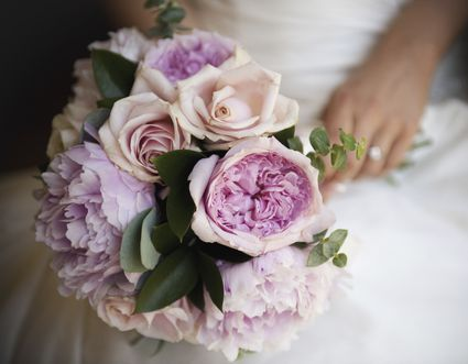 Make your own wedding flower arrangements and bouquets love flowers lush bridal bouquet ideas for you junglespirit Image collections