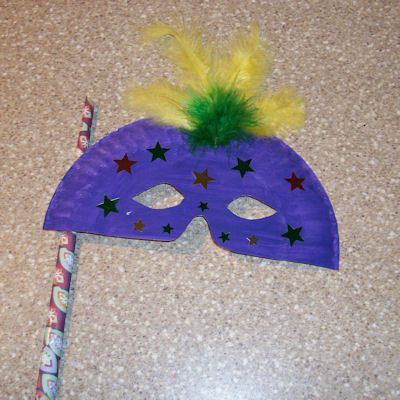 How to Make a Mask using Paper Plates