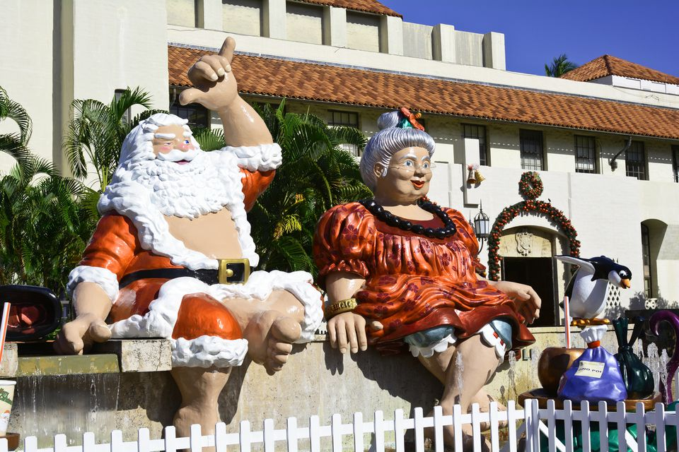 Shaka Santa and Mrs. Claus Honolulu