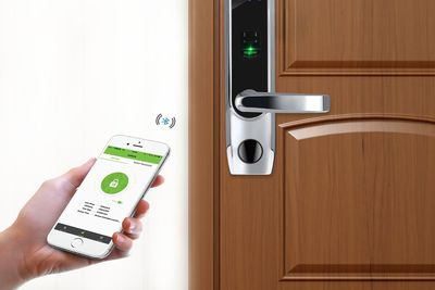 how to lock your home from your smartphone