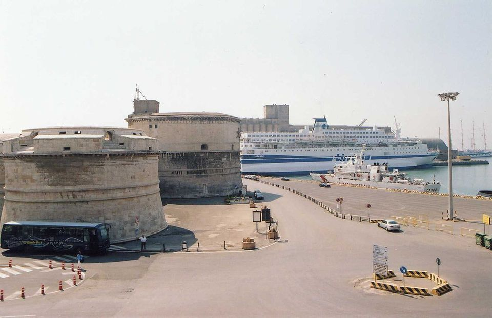 The port of Citavecchia.
