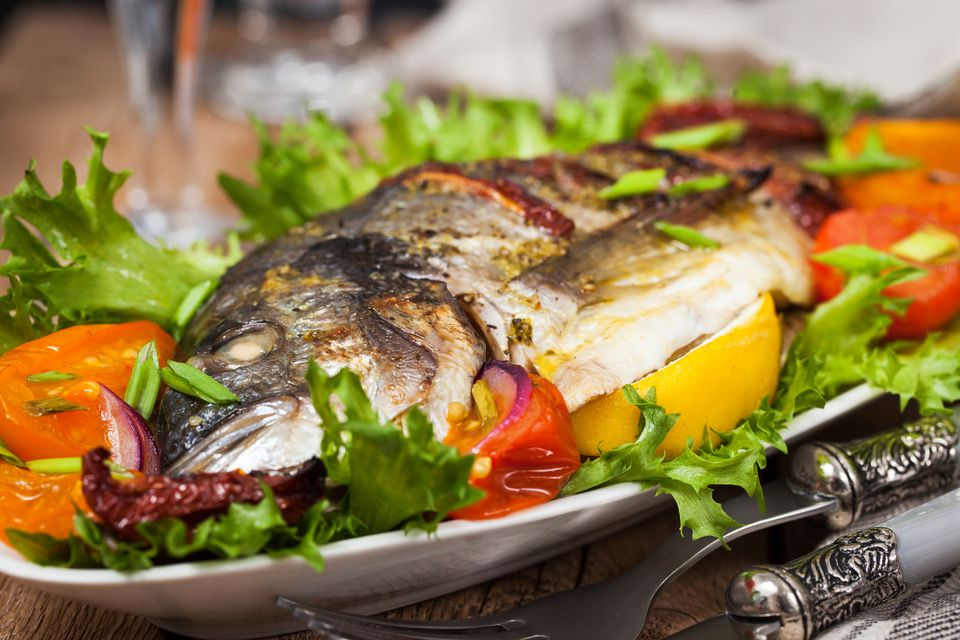 thai baked whole fish in garlic chili sauce recipe