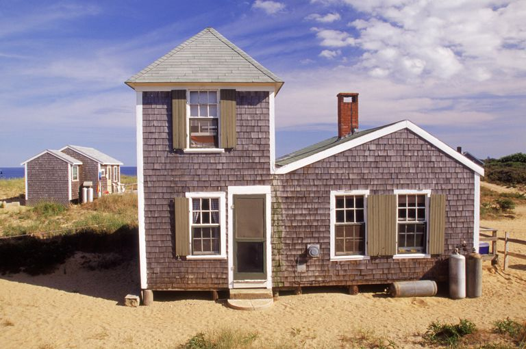 cedar shake rental cottage in Cape Cod