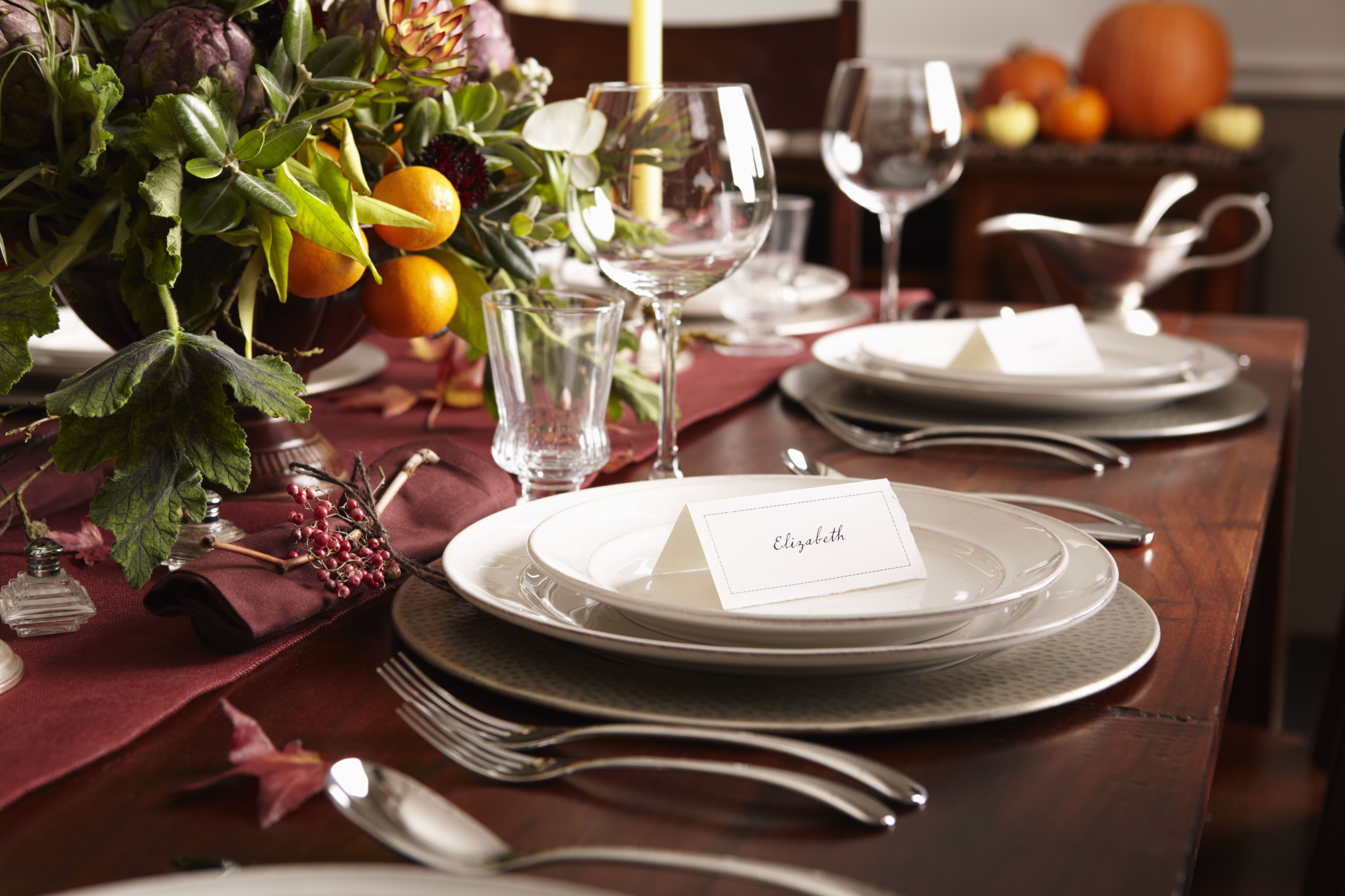 Make Your Thanksgiving Table Look Fantastic With a Free Centerpiece