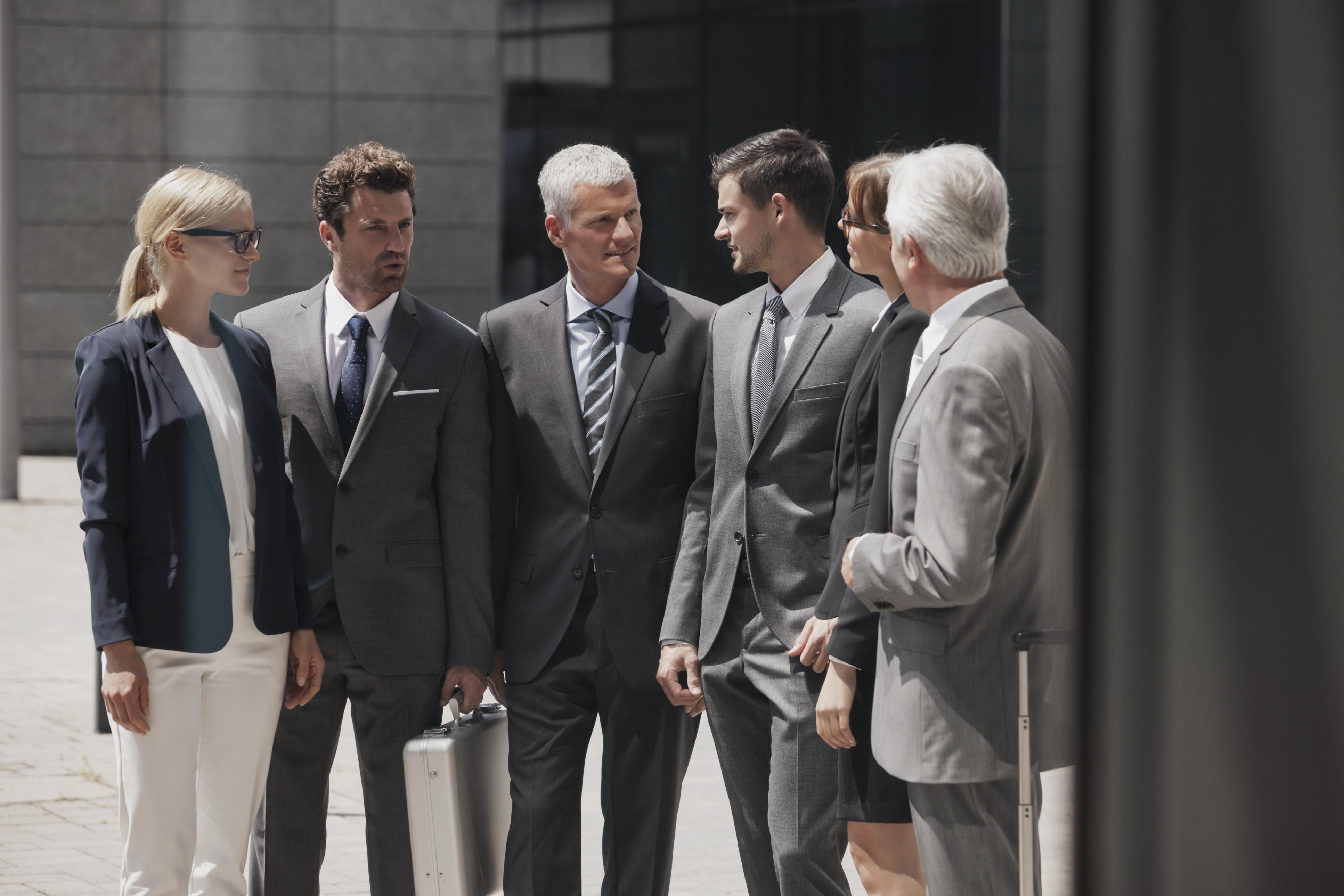 learn how to dress in a business formal professional workplace