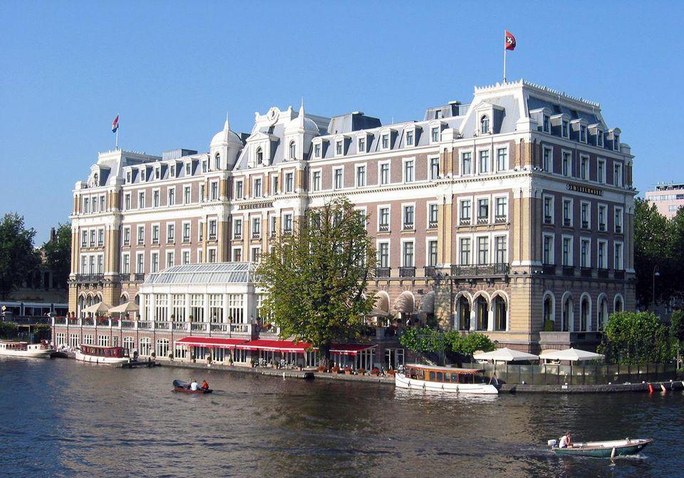 Amstel Hotel in Amsterdam at the Professor Tulpplein from the Torontobrug.
