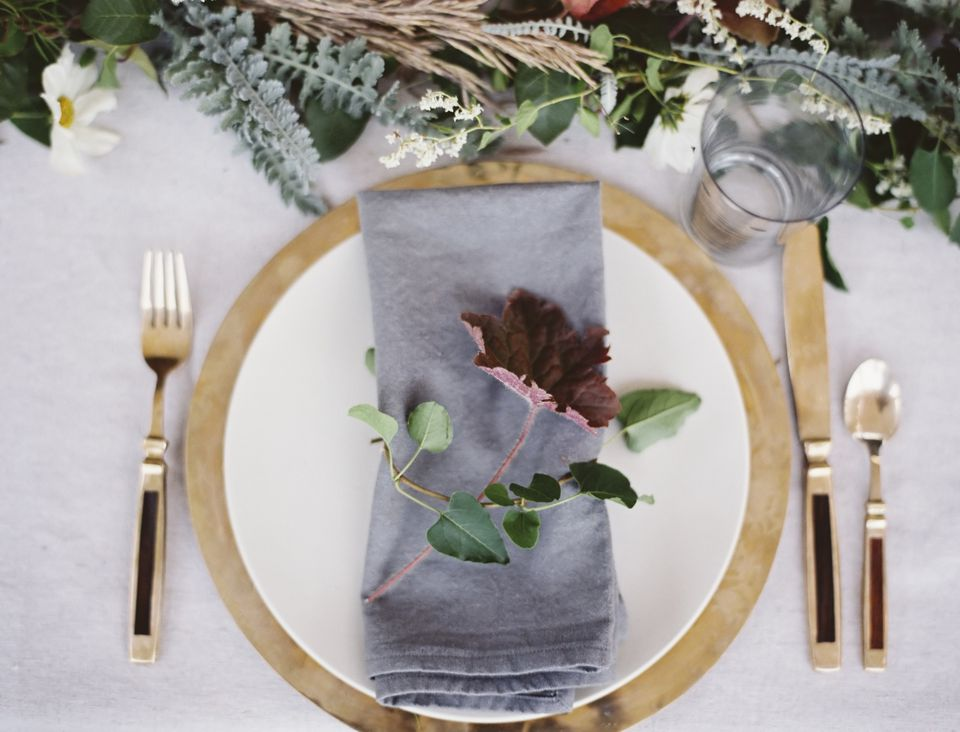Foliage place setting with cloth napkin