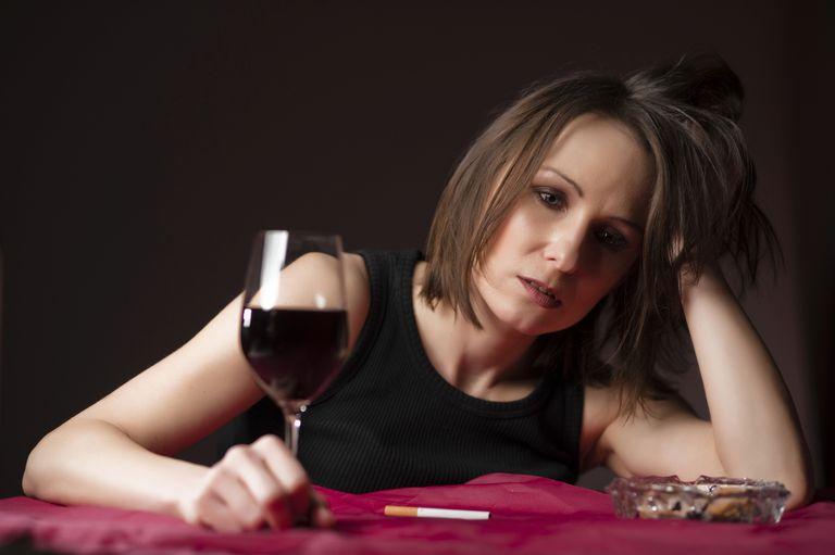 alcohol-cigarette-stress-Michaela-Begsteiger.jpg