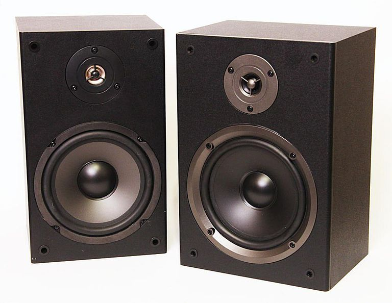 Side by side comparison of the Monoprice MBS-650 (8250) and Dayton Audio B652 bookshelf speakers