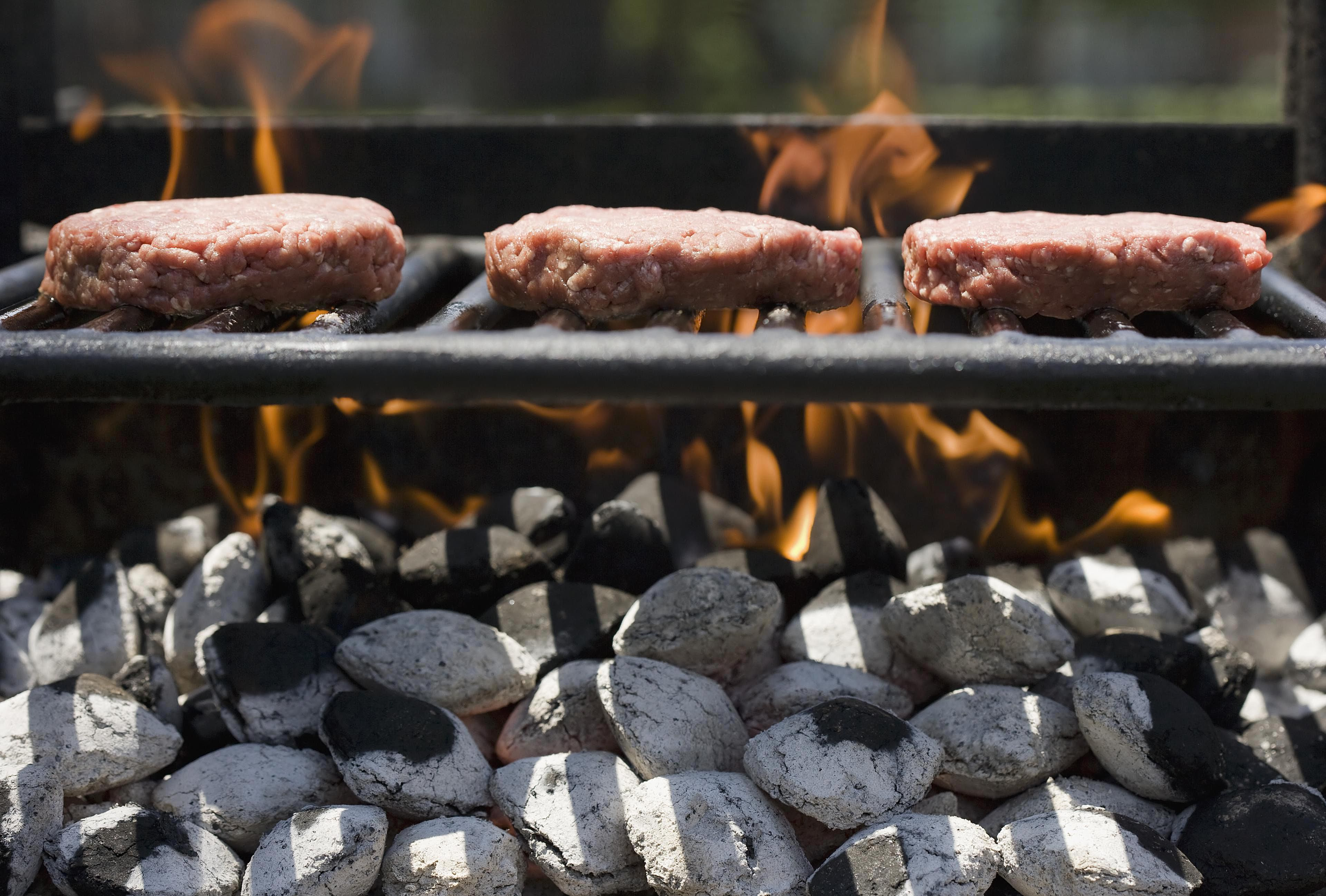 How to build your own custom gas or charcoal grill dailygadgetfo Images
