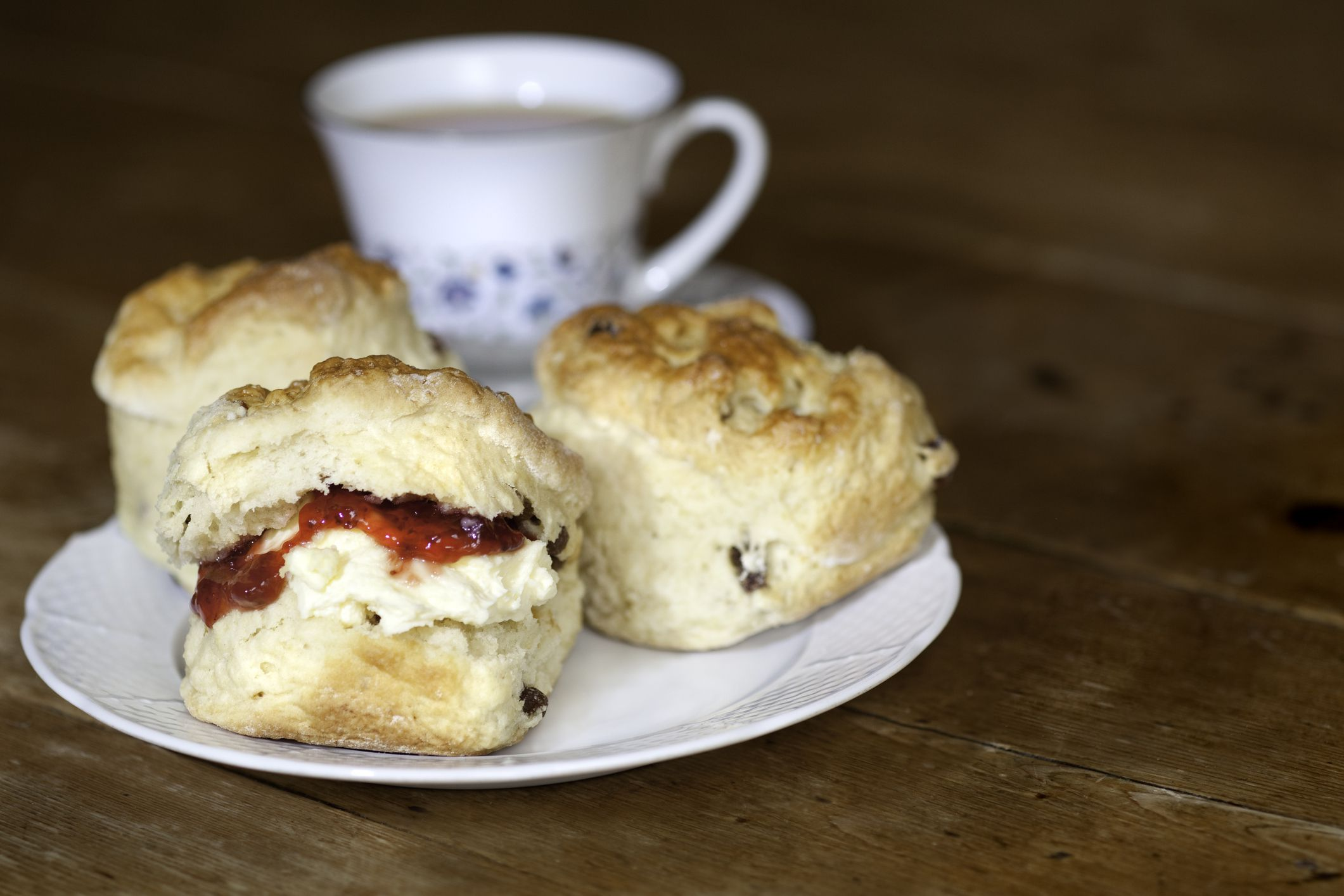 The Difference Between A Cornish And Devon Cream Tea