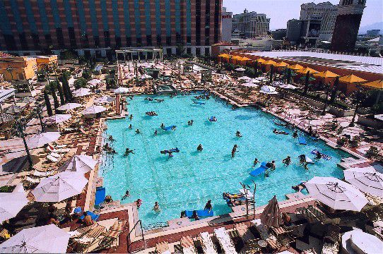 Swimming Pools In Las Vegas