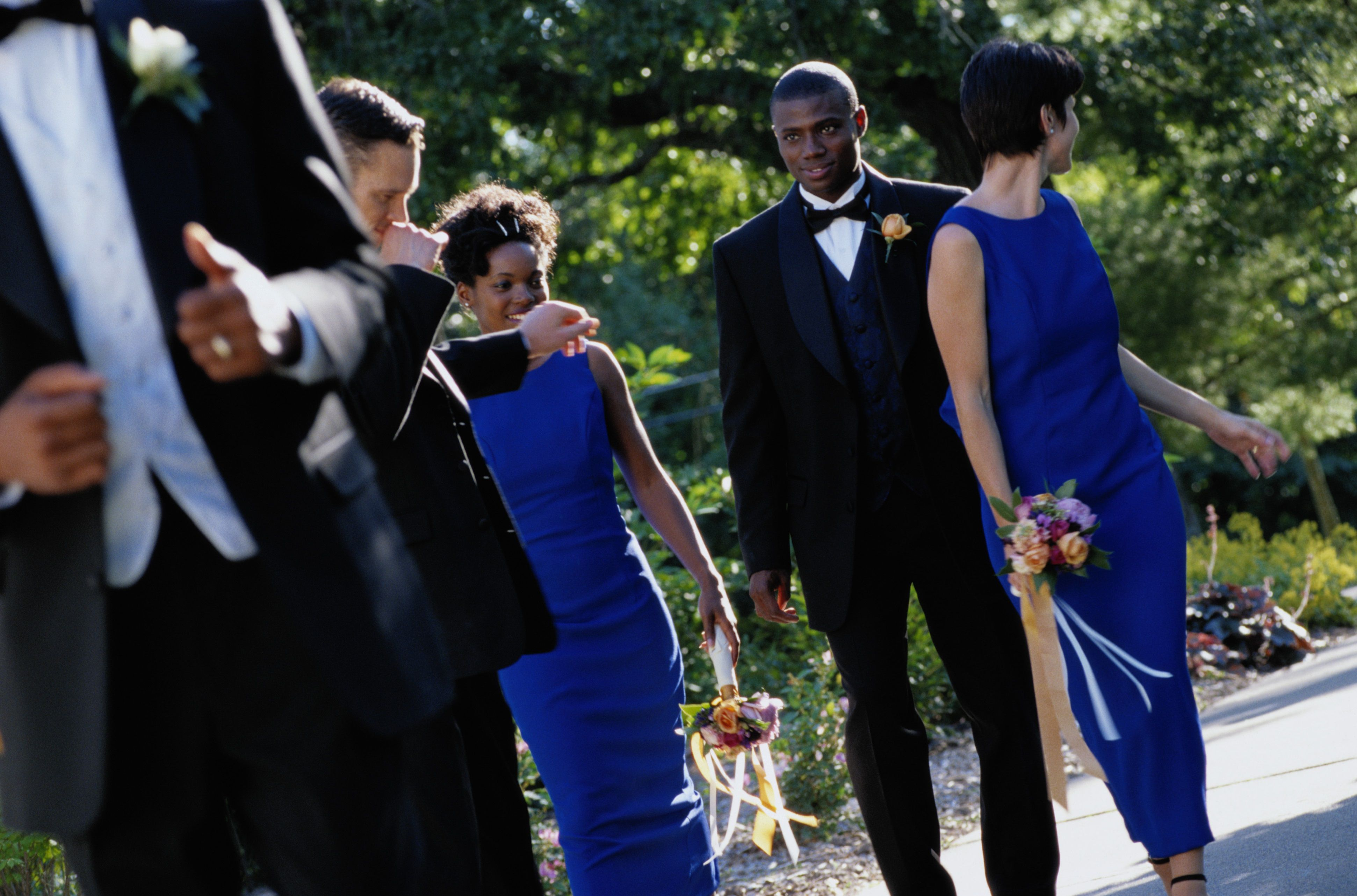 How Many Bridesmaids And Groomsmen Should There Be?