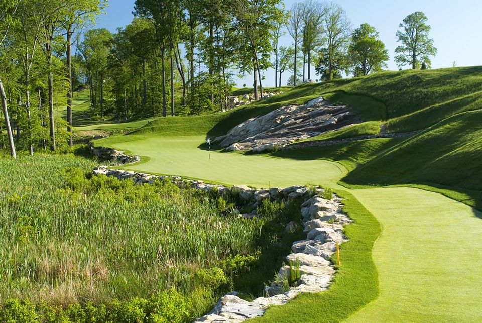 Pound Ridge Golf Club, Par 3 15th, Headstone
