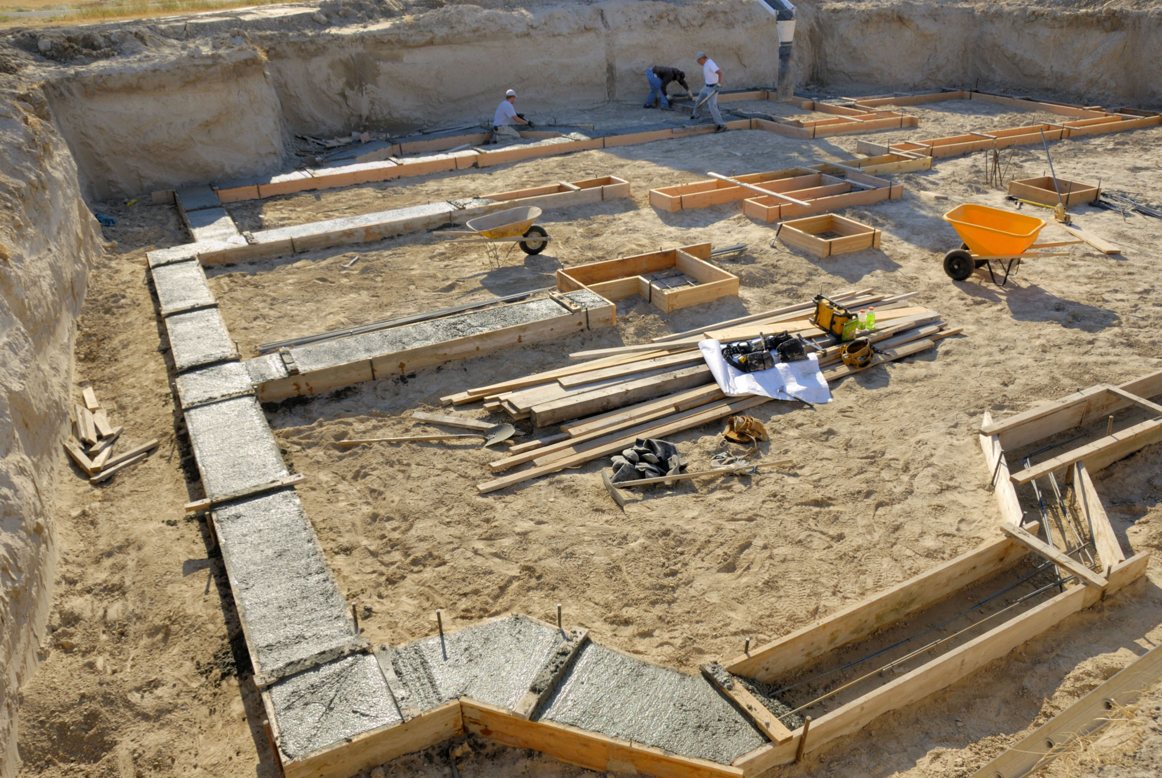Learn how to build a cinder block wall for Cinder block home construction