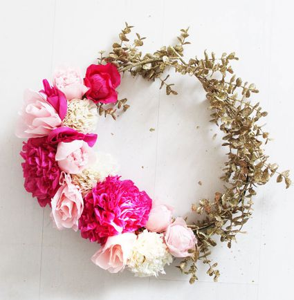 10 paper flower wreaths you can diy for How to make a home decorations