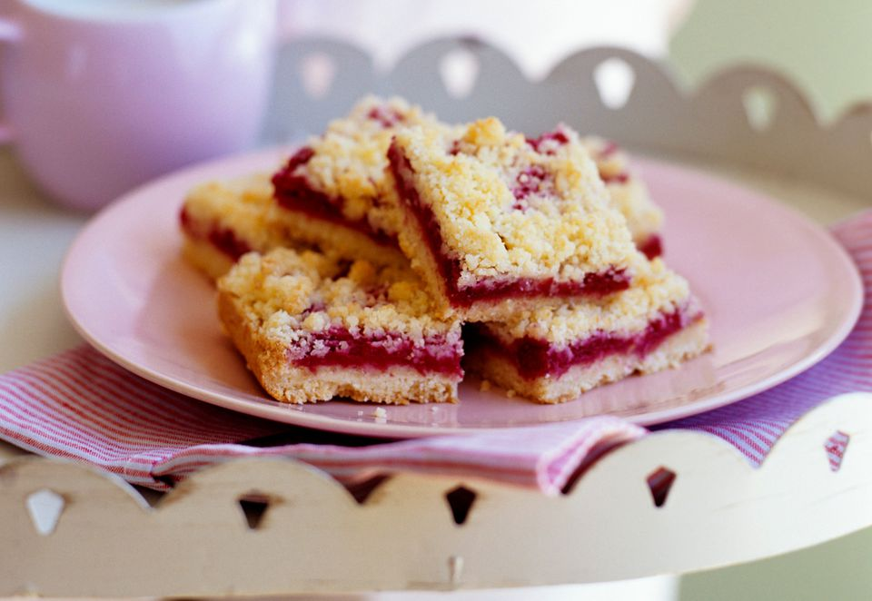 cherry crumb bars