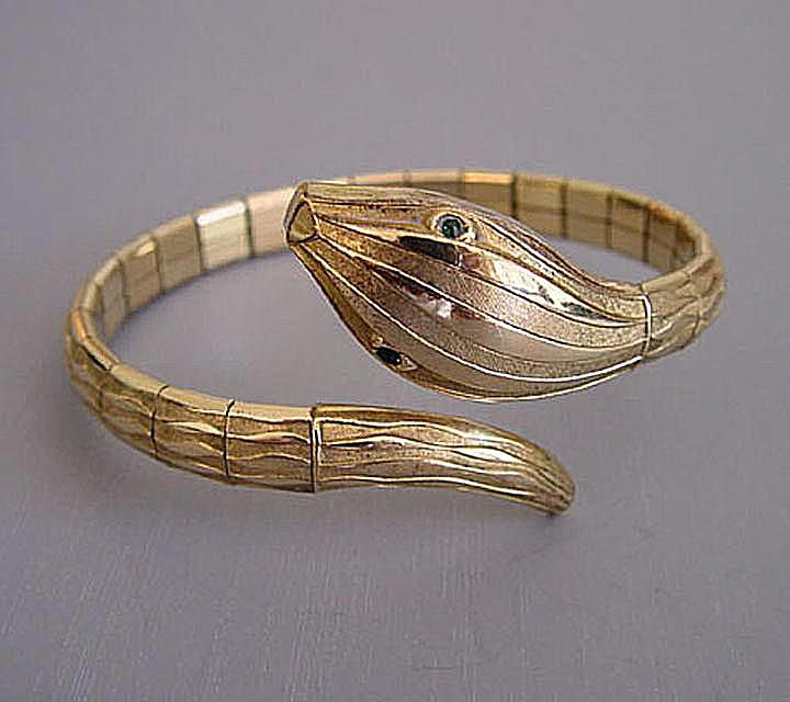 Rolled Gold Antique Jewelry Definition and Example