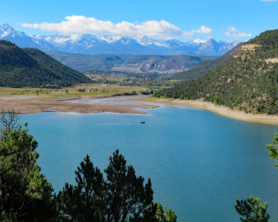 lake and mountain scenery in Ridgway, Colorado
