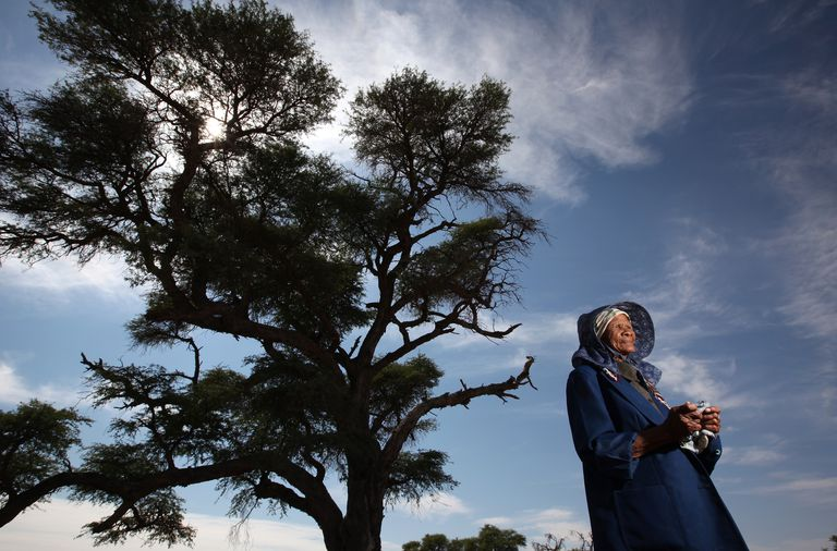 What Could This Khomani San Woman from the Kalahari Desert Tell Us About Ancient Hunter-Gatherers?