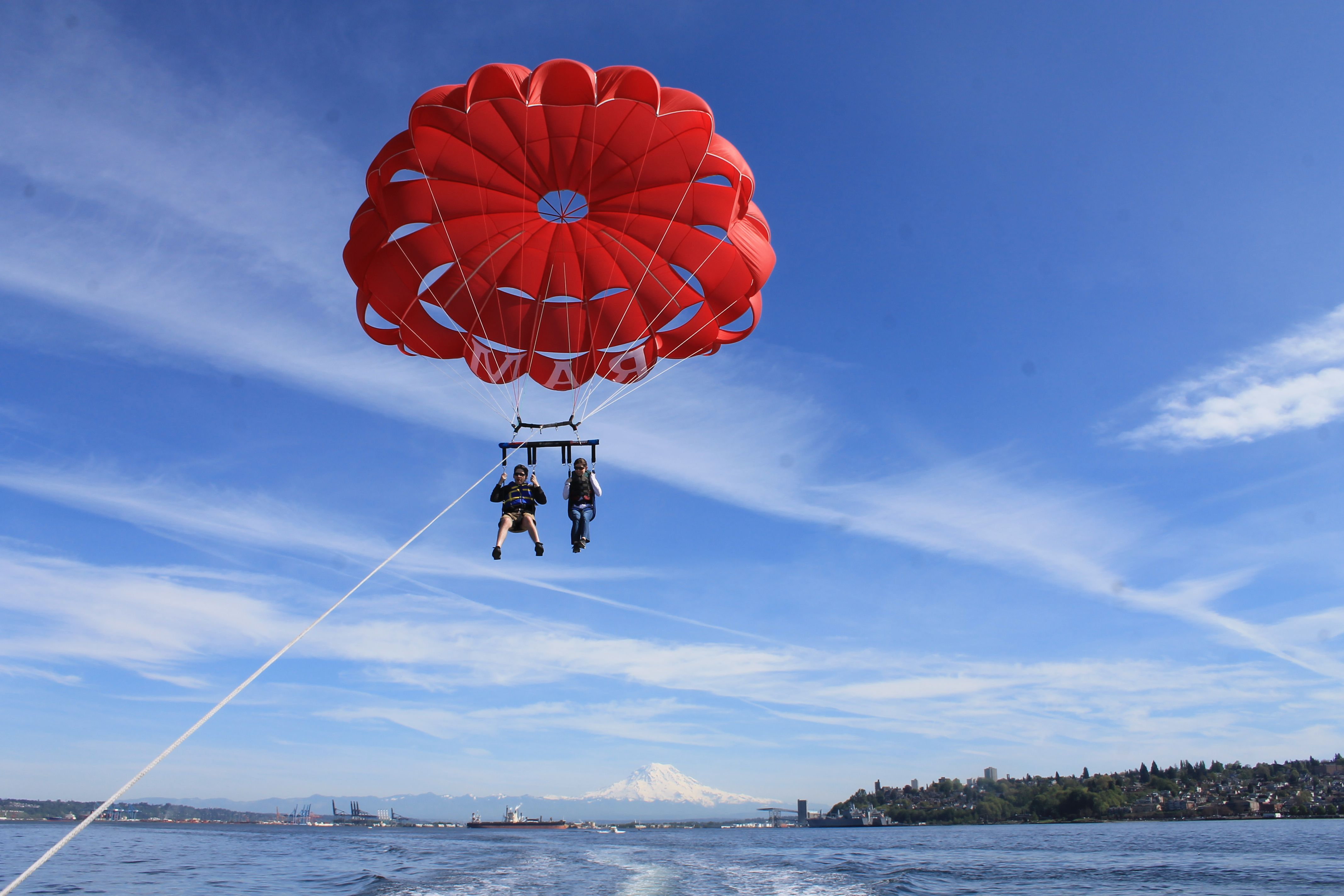 Where to go parasailing near Seattle and Tacoma