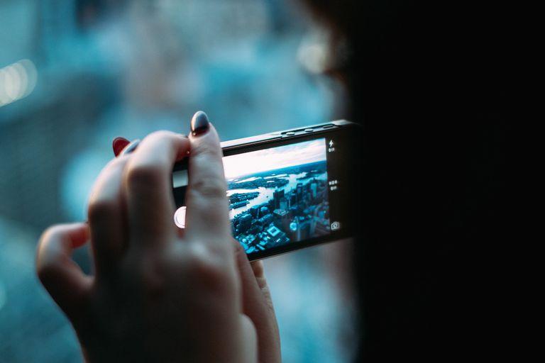 Crea tus propias fotos de portada para tu biografía en Facebook