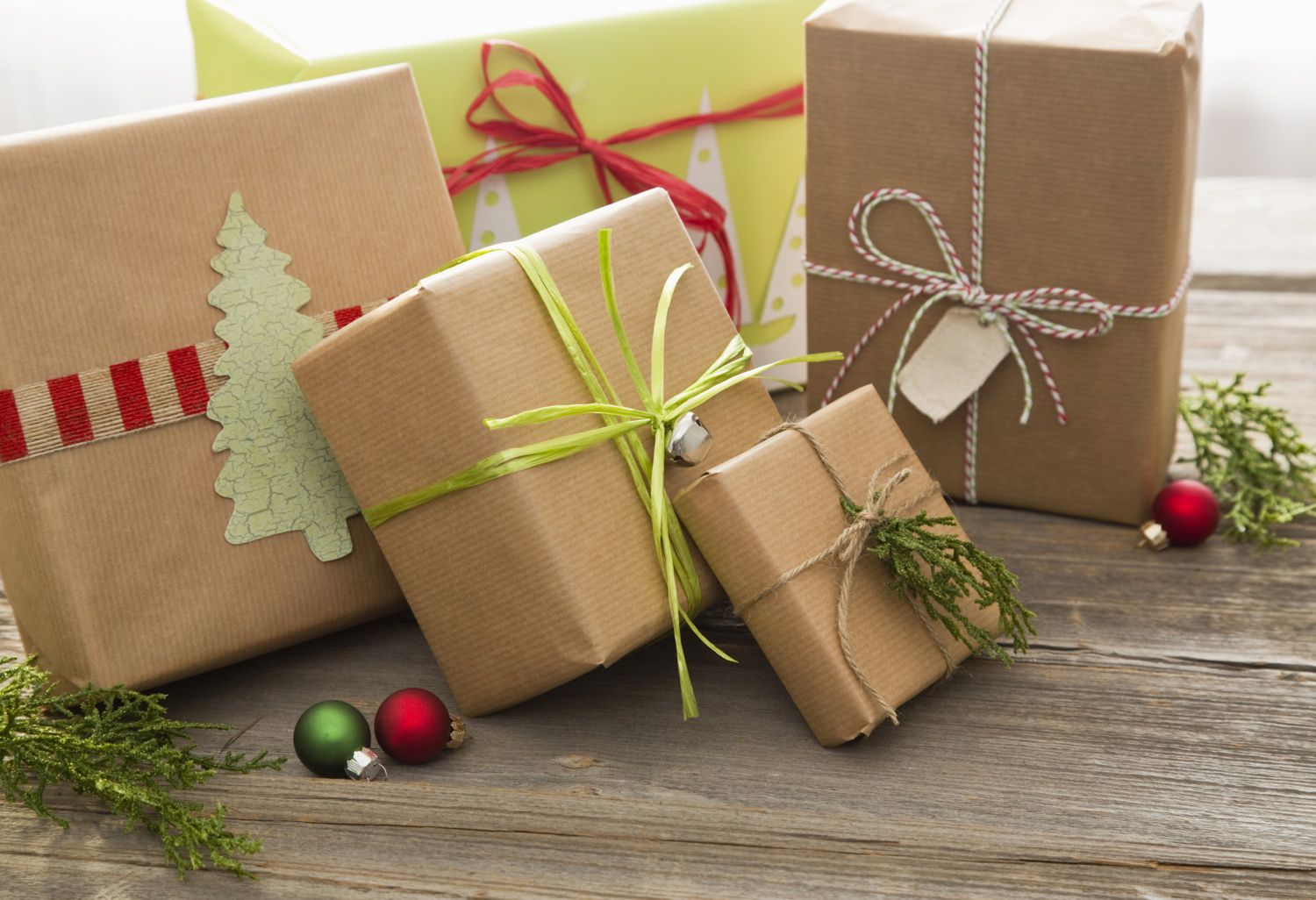 five christmas tips to help you save money on gifts