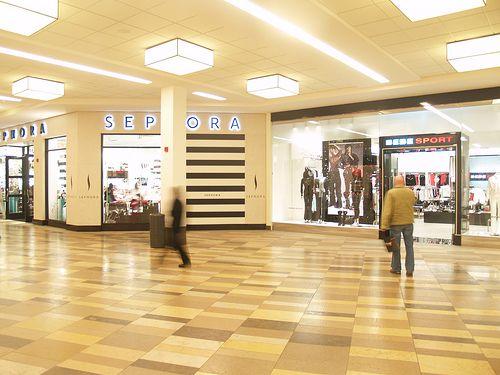 Beachwood Place Mall in Beachwood Ohio