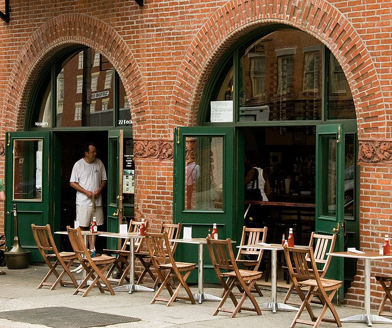 5 Great Places To Eat Near South Street Seaport