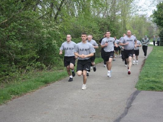 men running in army physical fitness test (APFT)