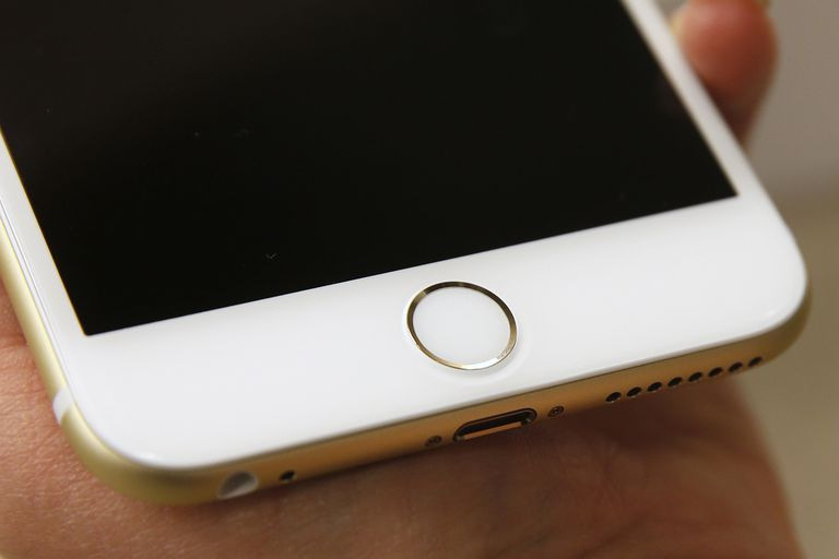 Touch ID of an Apple iPhone 6 Plus