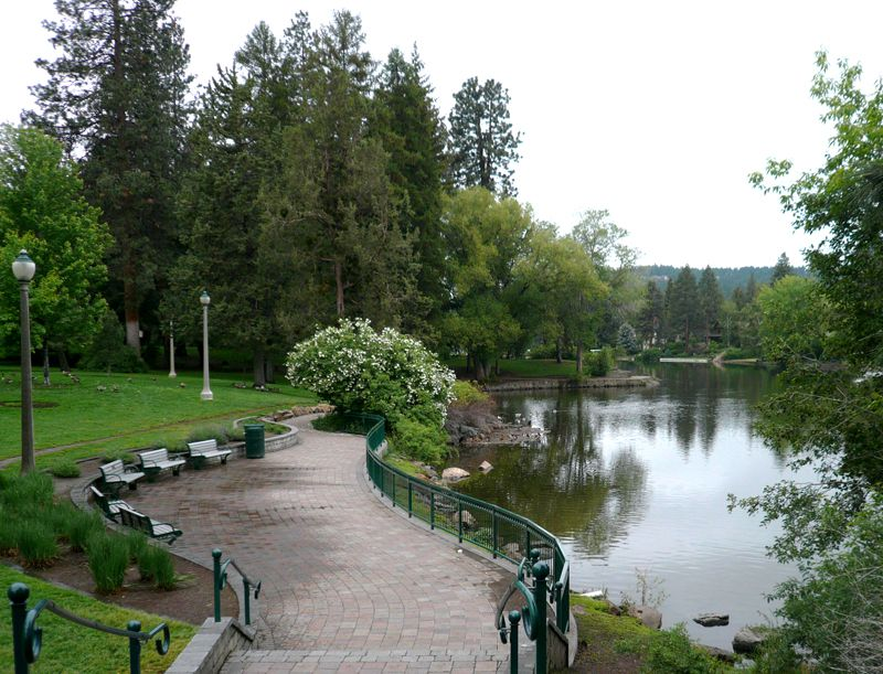 Drake Park and Mirror Pond in Bend Oregon