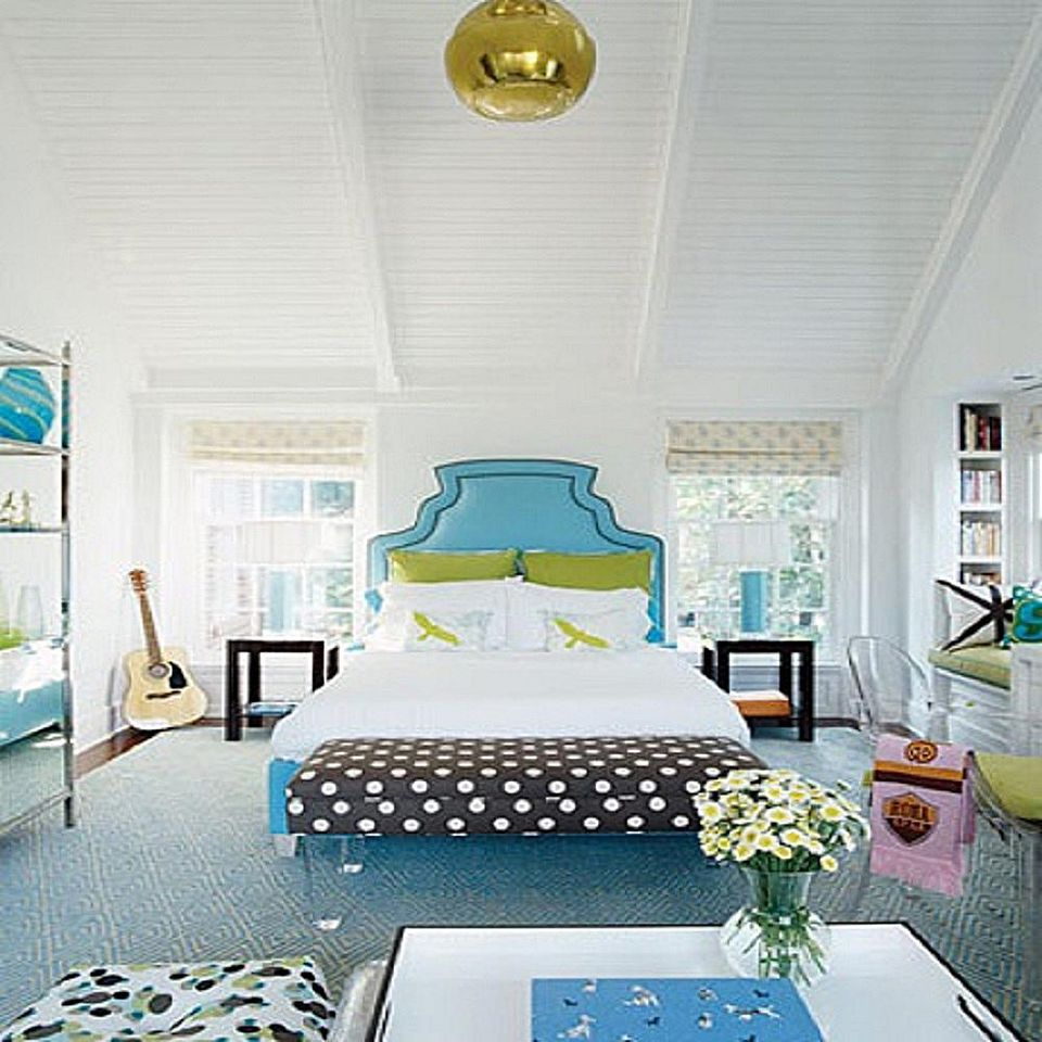 Decorate Your Bedroom With Polka Dots