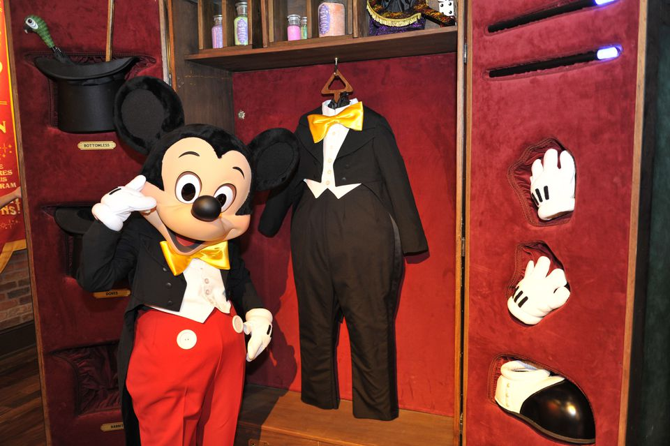 Mickey gets ready for a greeting session.