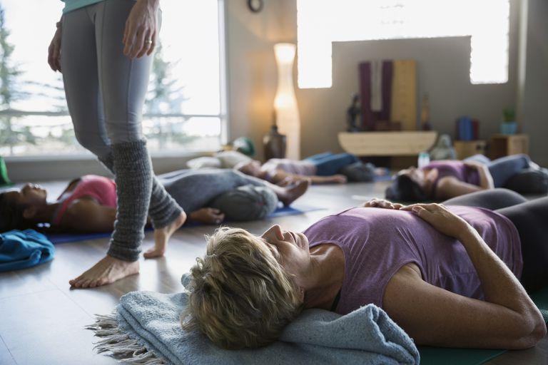 savasana yoga restaurativo