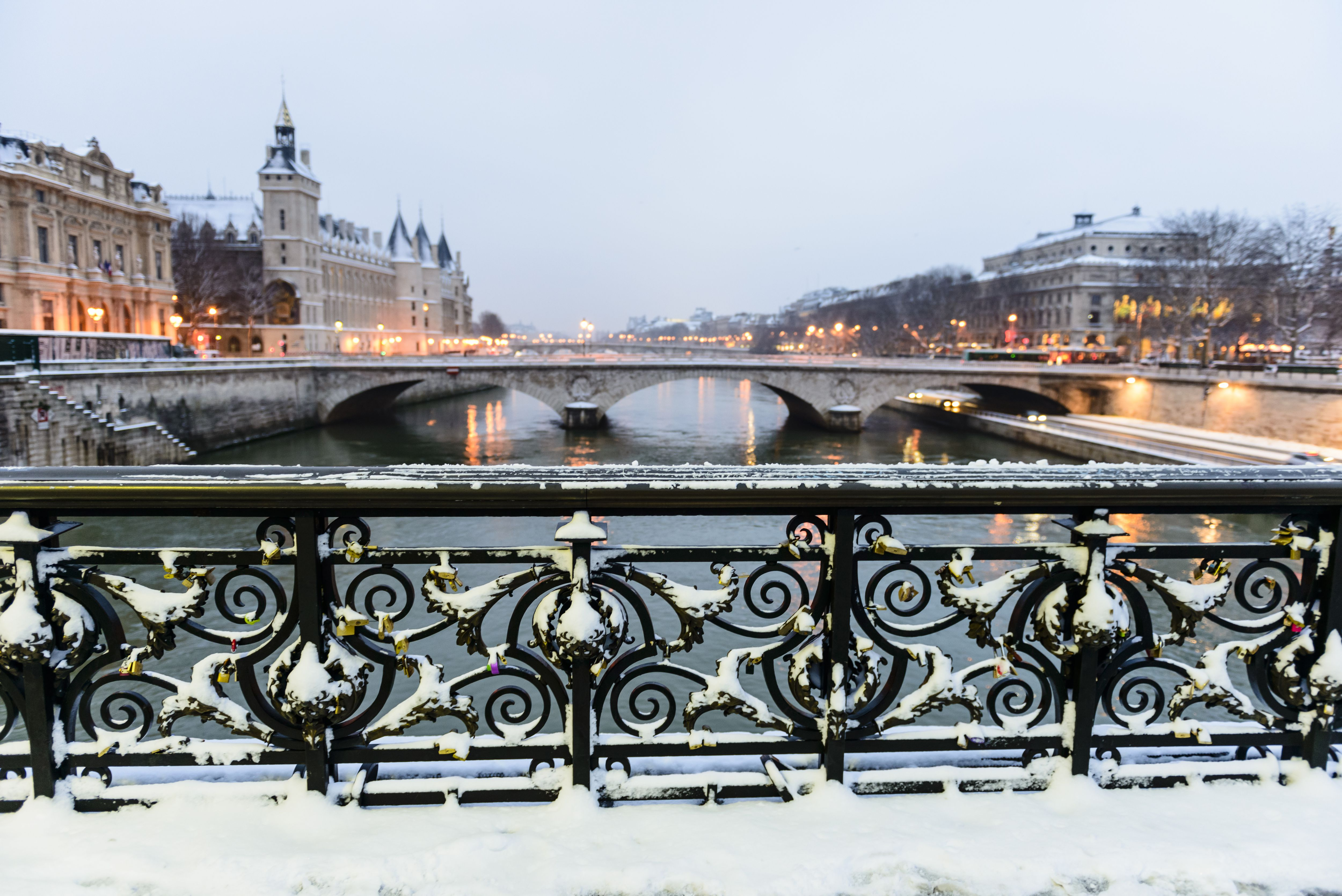 visiting paris in january weather what to pack what to see