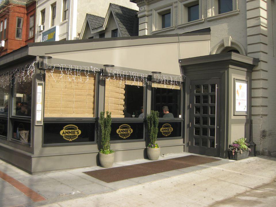 Exterior view of Annie's Paramount Steak House