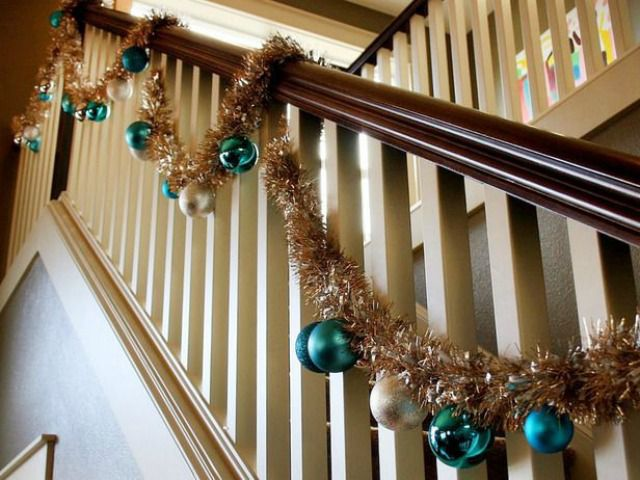 How To Decorate A Staircase Railing For Christmas