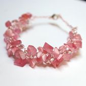 Stone Bead Chips Combine Beautifully With Wire to Make Crocheted Jewelry.