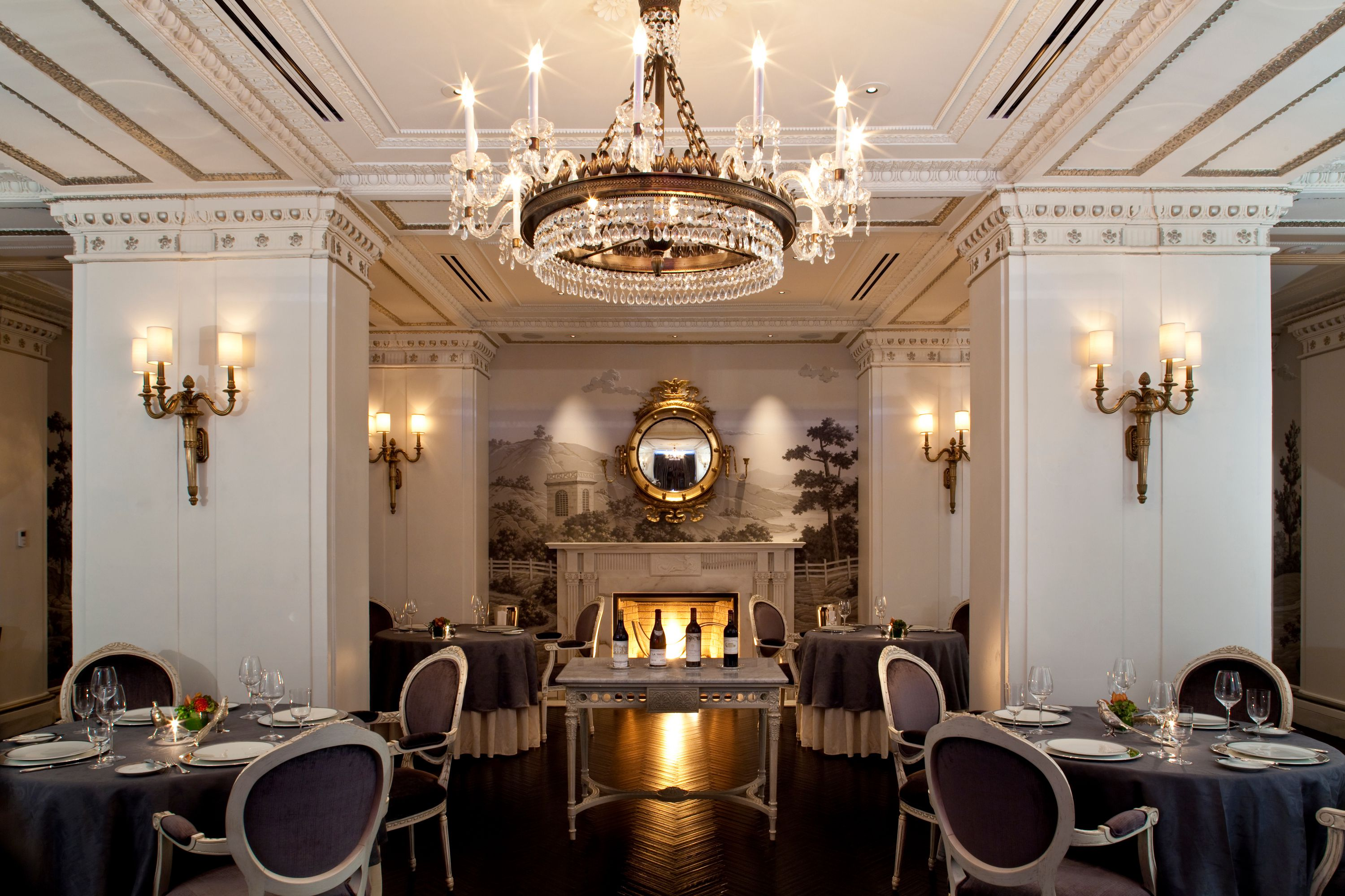 The most romantic restaurants in washington d c for Romantic places near dc