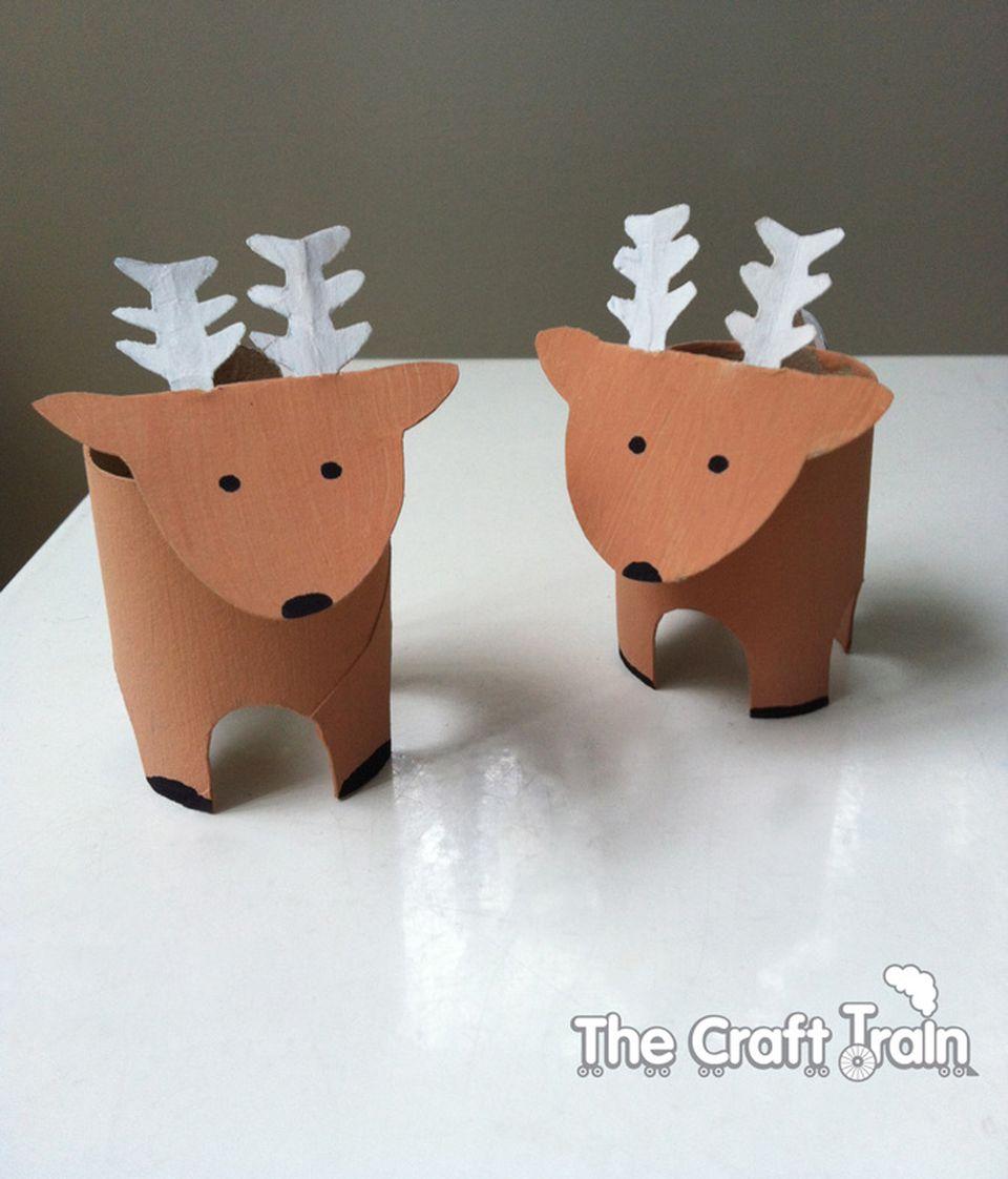 toilet paper reindeer