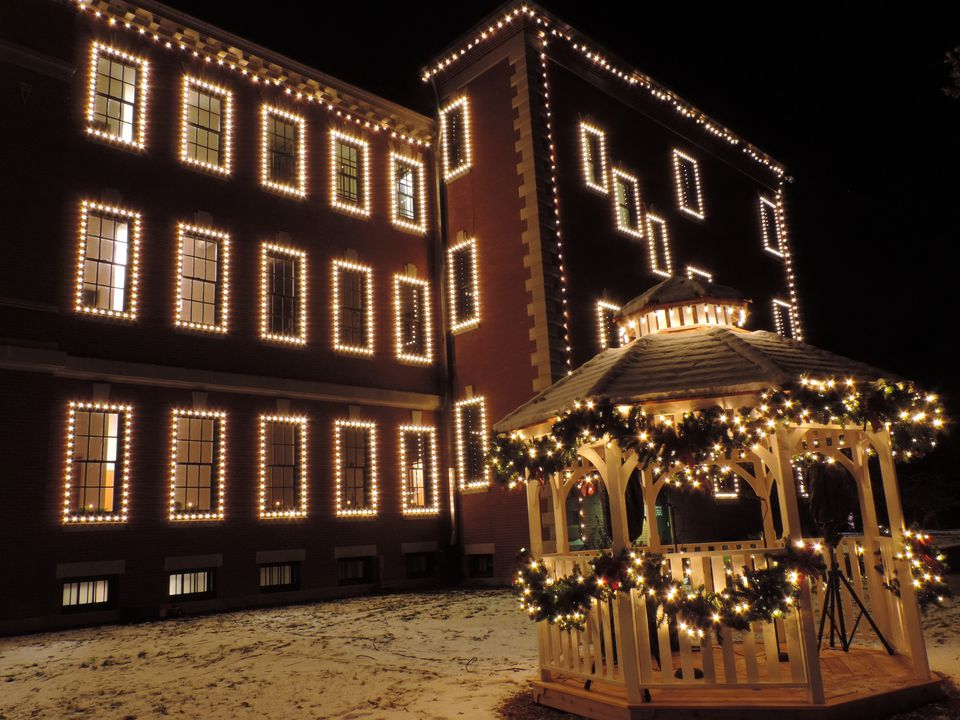 The Best Christmas Light Displays in St. Louis