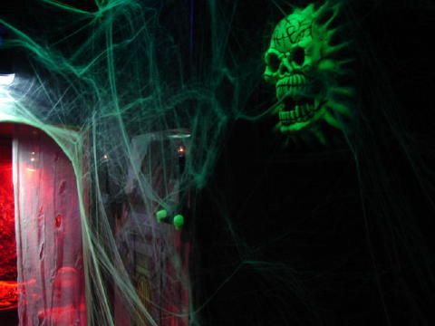 Image Gallery: Halloween Haunted House Attraction Pictures in ...