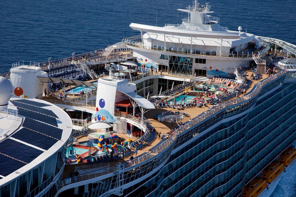 Oasis Of The Seas Royal Caribbean Cruise Ship Profile - Oasis of the sea cruise ship