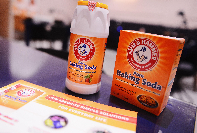 4 Ways to Use Baking Soda to Freshen Closets