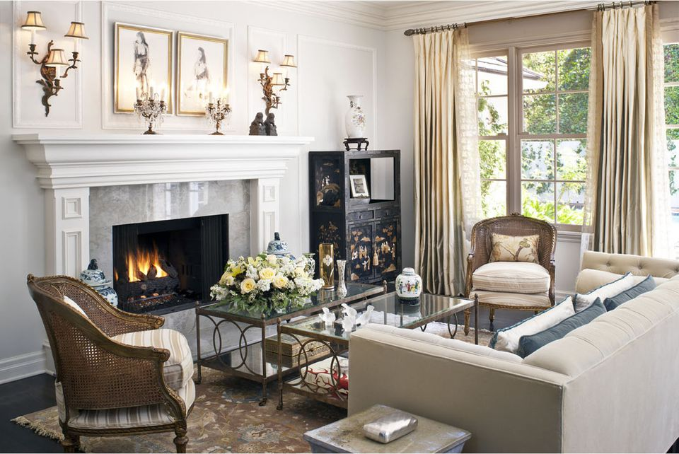 sophisticated traditional living room - Pictures Of Traditional Living Rooms