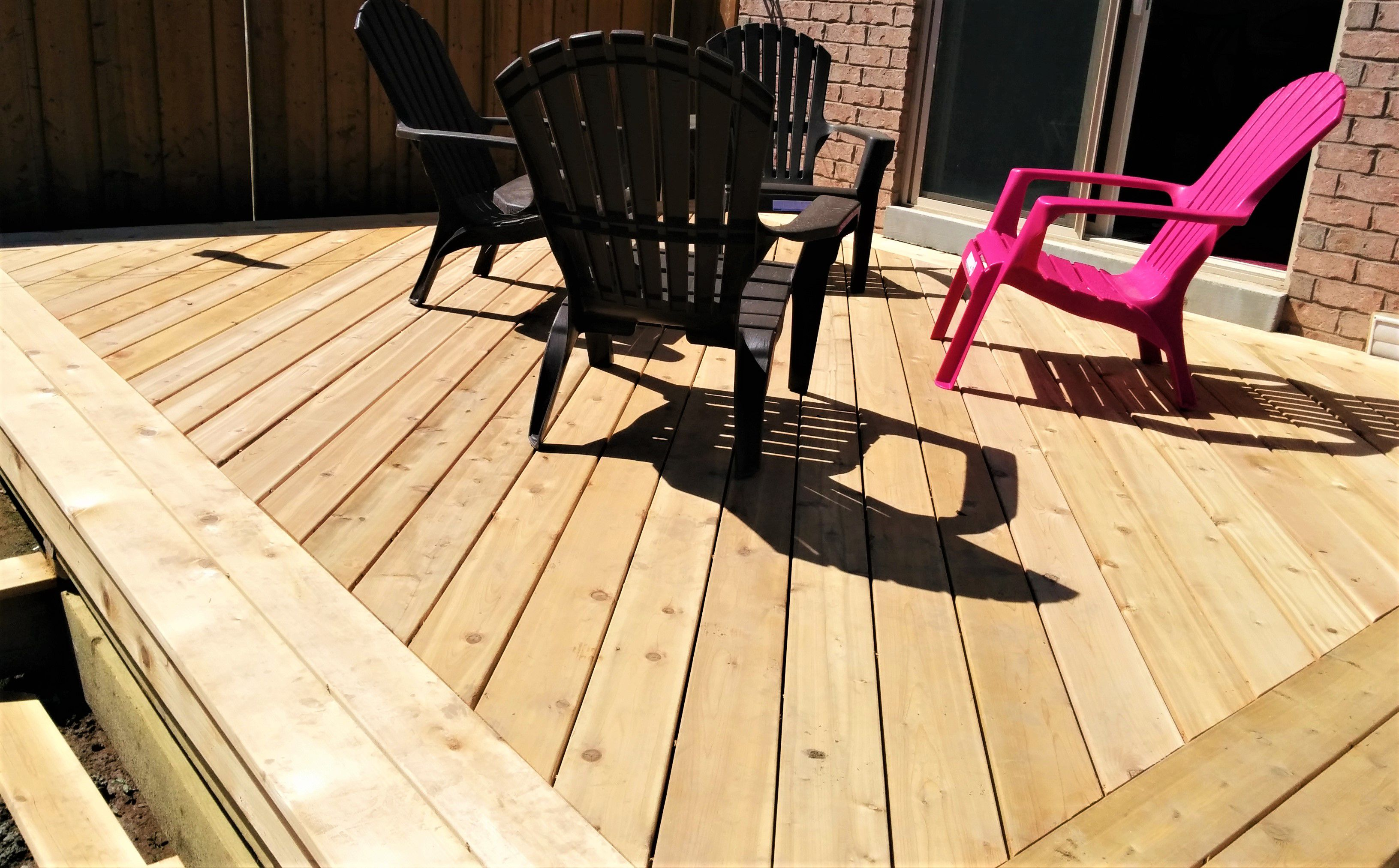 10 Beautiful DIY Backyard Decks