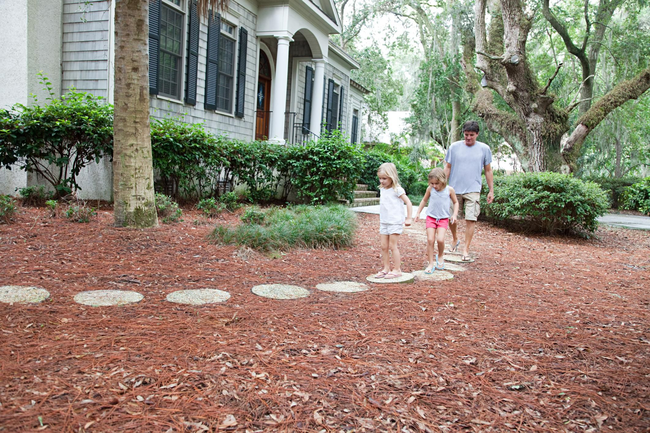 step by step instructions for making stepping stones