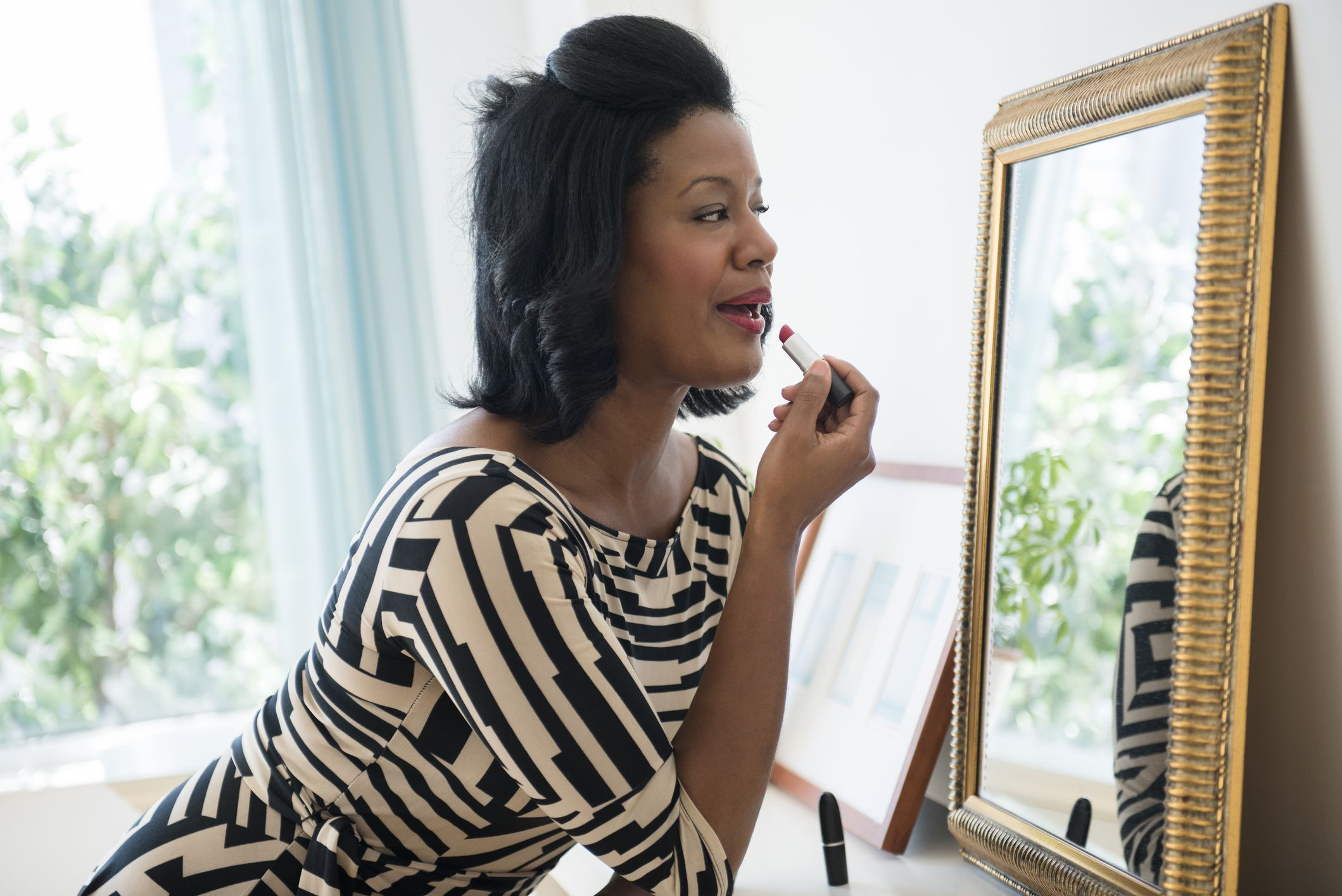25 Makeup Tips To Look Beautiful Over 50